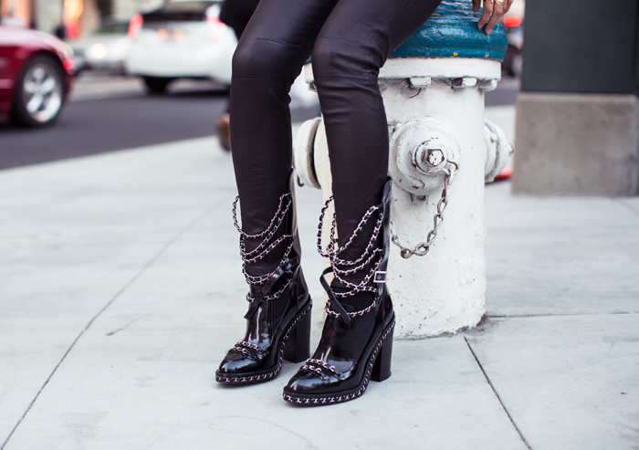 songofstyle-chanel-chain-boots