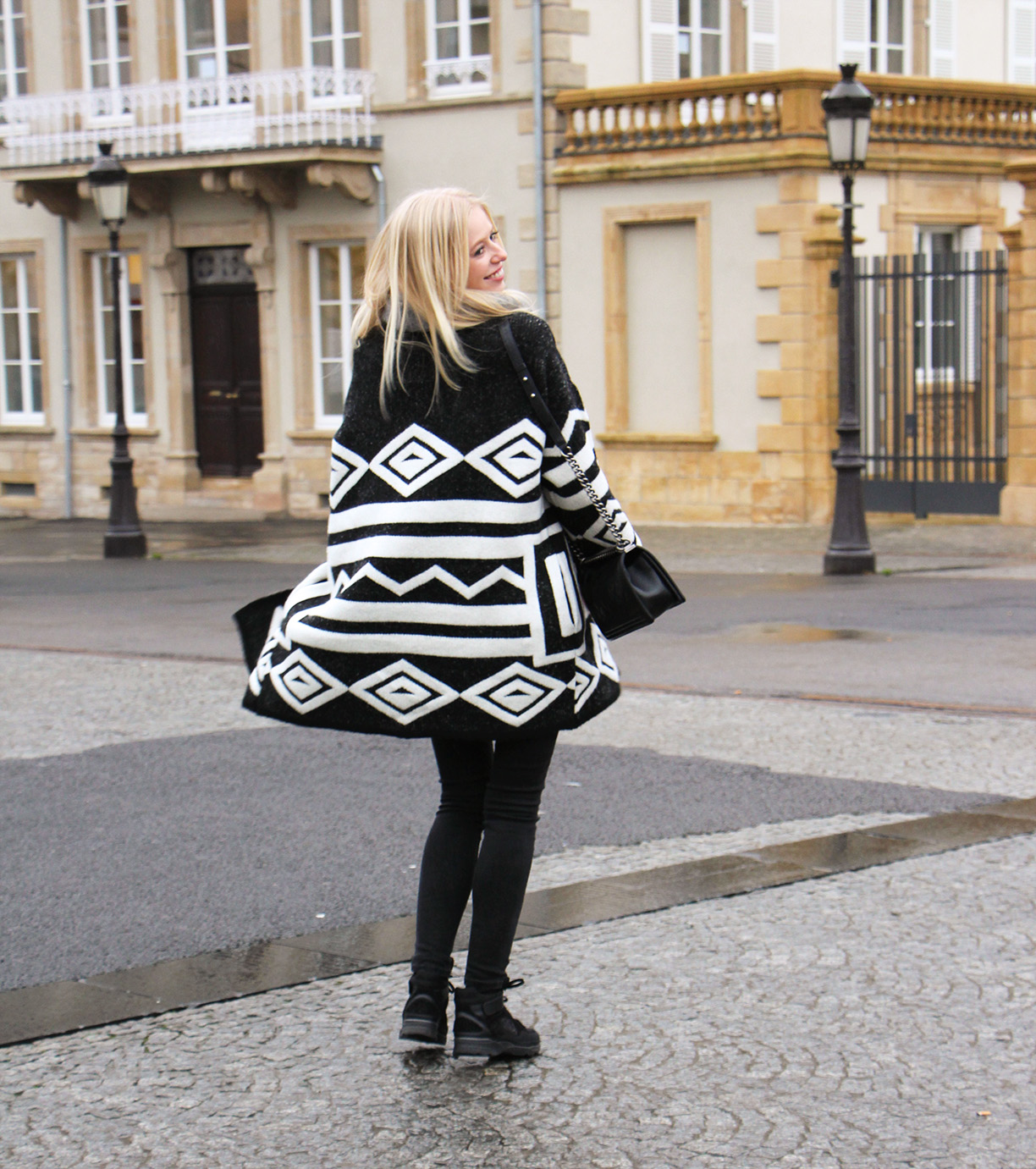 Outfit || Christmas in Luxembourg
